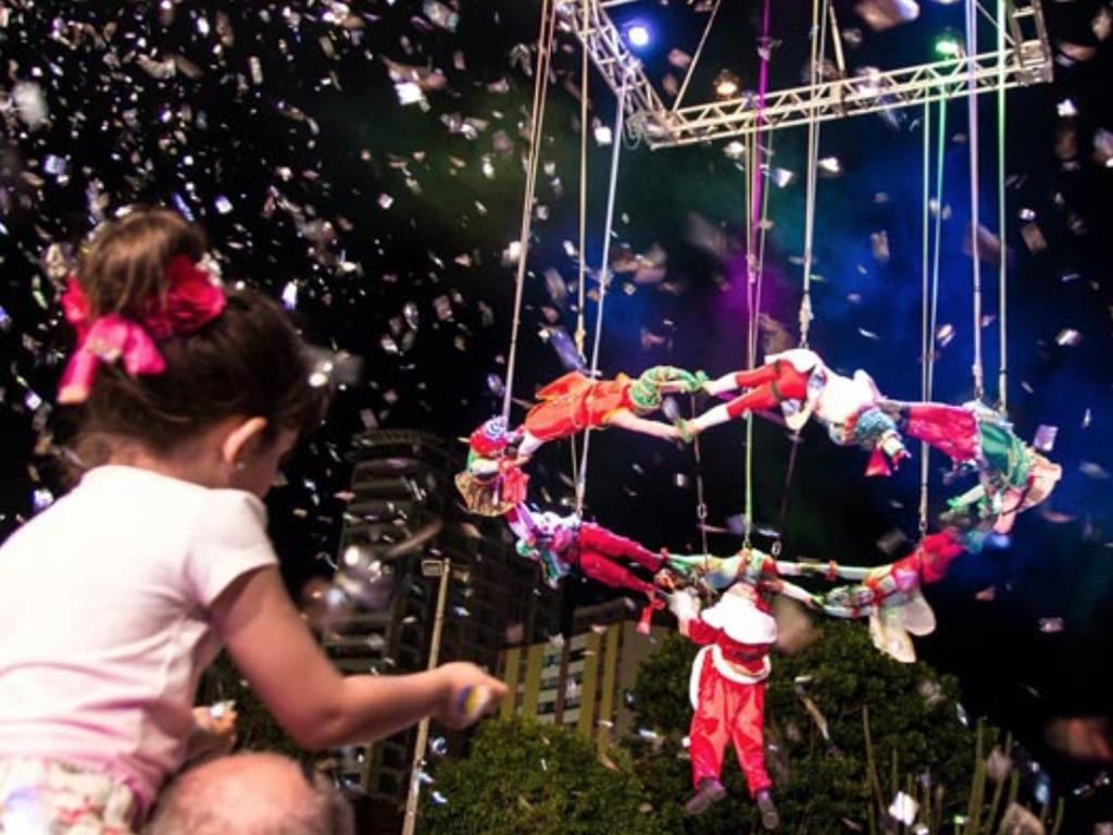 'Show de Natal' dos Supermercados Cidade Canção reúne mais de 10 mil pessoas